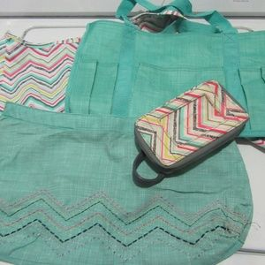 Thirty One Party Punch Chevron Set - 4 Pieces!